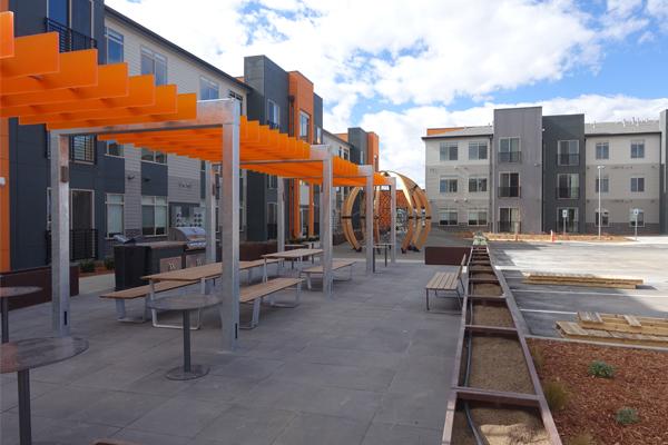 Northfield apartments stapleton denver for 3 bedroom apartments denver metro area