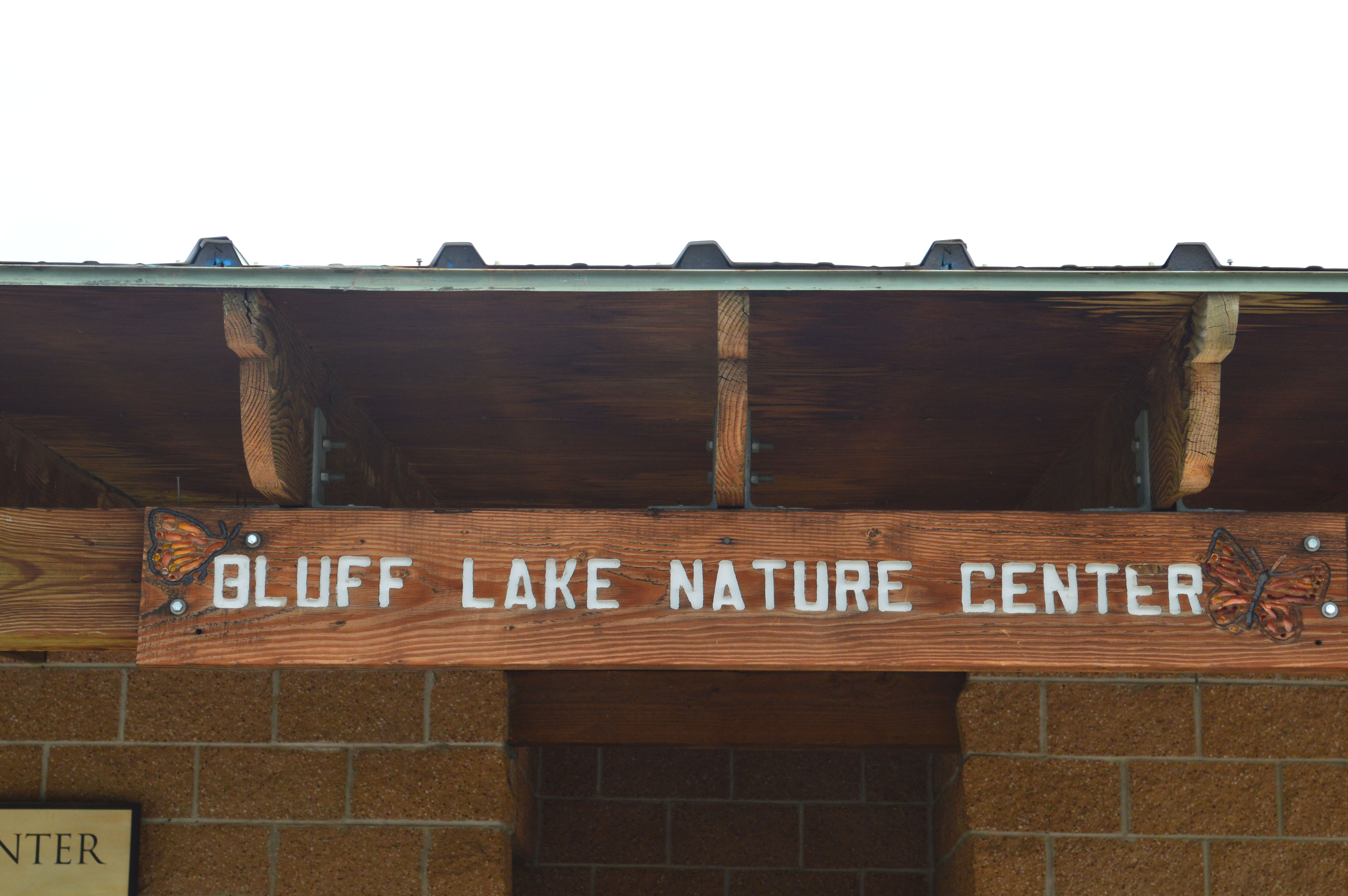 BluffLakeSign