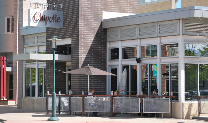 http://www.stapletondenver.com/wp-content/uploads/Chipotle-Patio.jpg