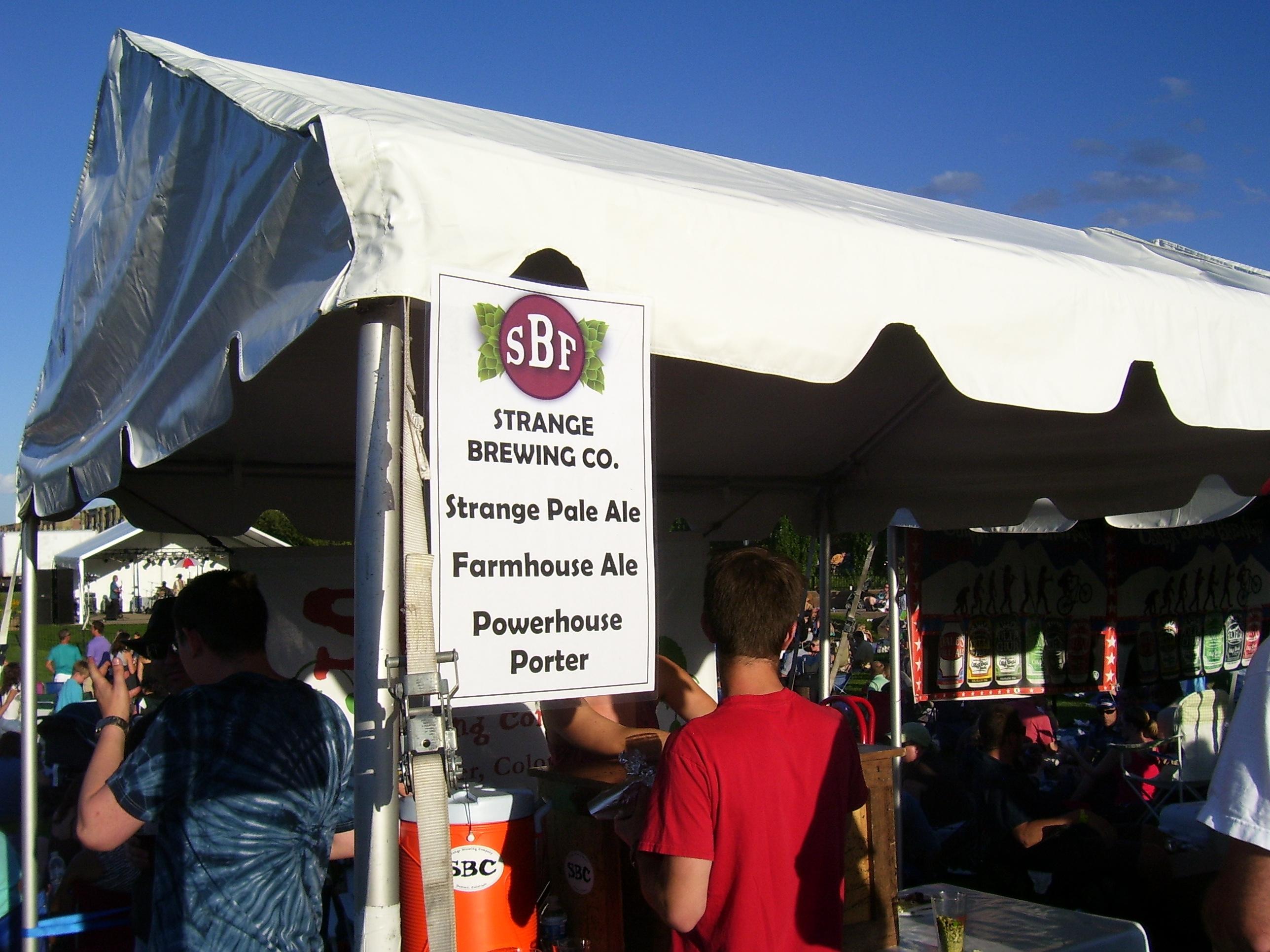 http://www.stapletondenver.com/wp-content/uploads/Stapleton_Beer_Festival_1_0.jpg